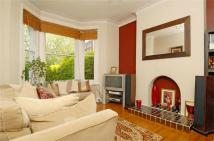 2 bed Flat to rent in Allfarthing Lane...