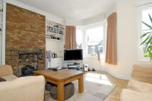 2 bedroom Flat in St. Ann's Hill, London