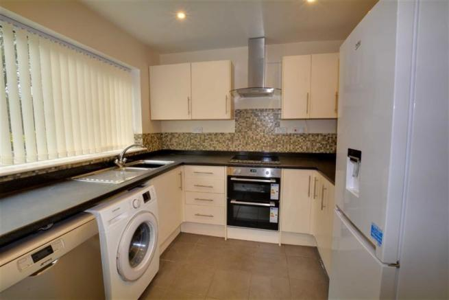 3 Bedroom End Of Terrace House For Sale In Kingsmead Pontefract