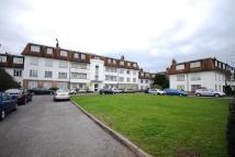 2 bedroom Flat in London Road, Morden...