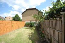 4 bed Terraced house to rent in Silbury Avenue...