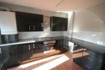 4 bedroom End of Terrace property in Garratt Lane, Tooting...