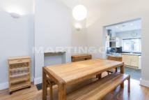 2 bedroom Terraced house in Hamilton Road, Brentford