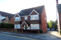 Apartment to rent in Liphook Road, Haslemere