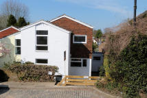 3 bed semi detached house to rent in Lower Street, Haslemere