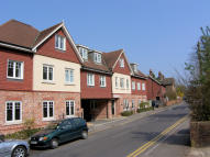 2 bedroom Apartment to rent in Kings Road, Haslemere