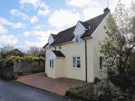 3 bedroom Detached home in Haslemere