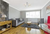 Flat for sale in 71 Belsyde Court...