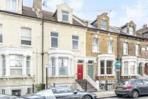 2 bed Apartment in Chivalry Road, SW11