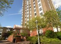 Flat for sale in Bramlands Close