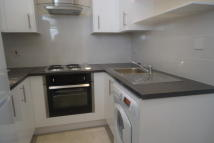 Flat to rent in Norwood Villas