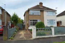 2 bed semi detached house in OAKCROFT VILLAS...