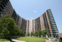 Studio apartment in New Providence Wharf...