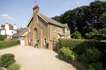 6 bed Detached property in Bushey