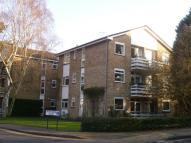 Flat in Upton Lodge, Bushey Heath