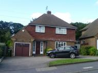 3 bed house in The Comyns, Bushey Heath