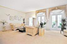 3 bedroom Flat in Westbourne Terrace...