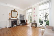 Ground Maisonette in Lanhill Road, London, W9
