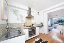2 bed Ground Maisonette to rent in Sutherland Avenue...