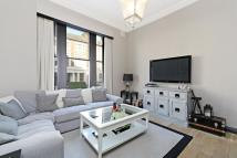 Ground Flat to rent in Grittleton Road, London...