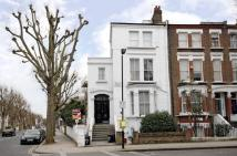 Studio apartment to rent in Marylands Road, London...