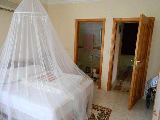 Bedroom 2 (en-suite)