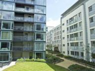 1 bedroom Flat to rent in Cardinal House ...