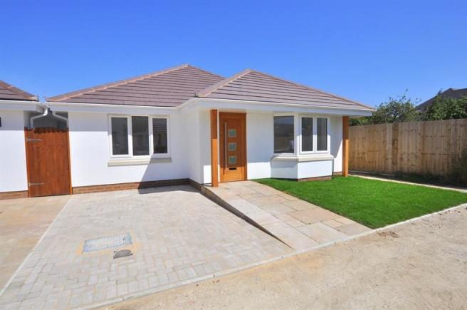 3 Bedroom Bungalow For Sale In The Paddocks 208 Leigh Road Wimborne Bh21