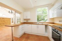 Lichfield Gardens property to rent