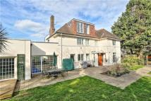 5 bedroom Detached home in West Temple Sheen...