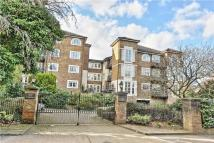 2 bed Flat for sale in Evesham Court...