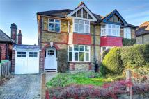 3 bedroom semi detached home to rent in Cranmer Road...