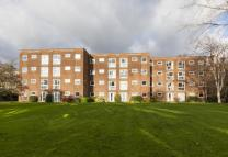 2 bedroom Flat for sale in Tring Court...