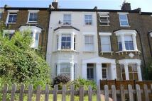 1 bedroom Flat to rent in Stanley Road, Teddington...