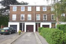 3 bedroom home in Broom Park, Teddington...