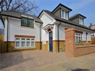 3 bedroom house to rent in Alpha Road, Teddington...