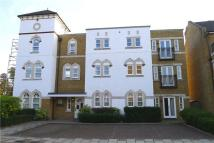1 bed Flat to rent in Admiralty Way...