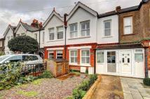 3 bedroom End of Terrace property to rent in Blackmores Grove...