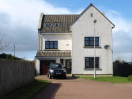 Detached property in Station Gate, Glassford...