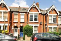 Flat for sale in Dunstans Road...