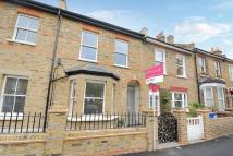 2 bed Flat for sale in Oglander Road...