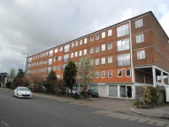 2 bed Apartment for sale in High Street, Potters Bar...
