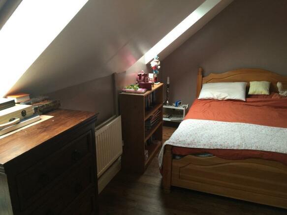 bedroom under veluxe