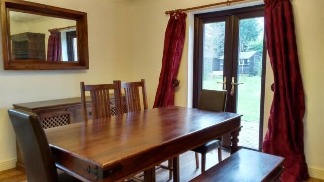 dining room dec 2.jp