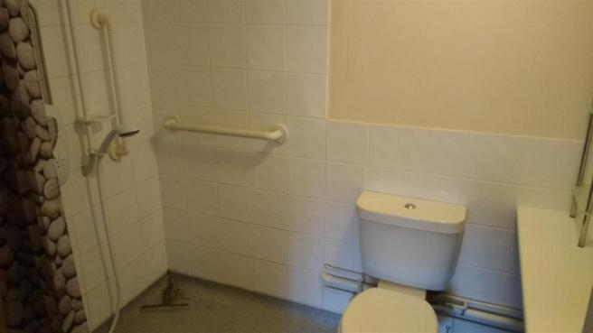 ensuite wet room to