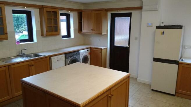 kitchen dec 2.jpg