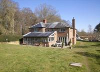 4 bed Detached house in Bedwyn Common...