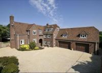 6 bed Detached property for sale in Folly Road, Lambourn...