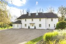 8 bedroom Detached home for sale in Common Road, Headley...