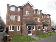 Flat to rent in Greenslade Road, Barking...